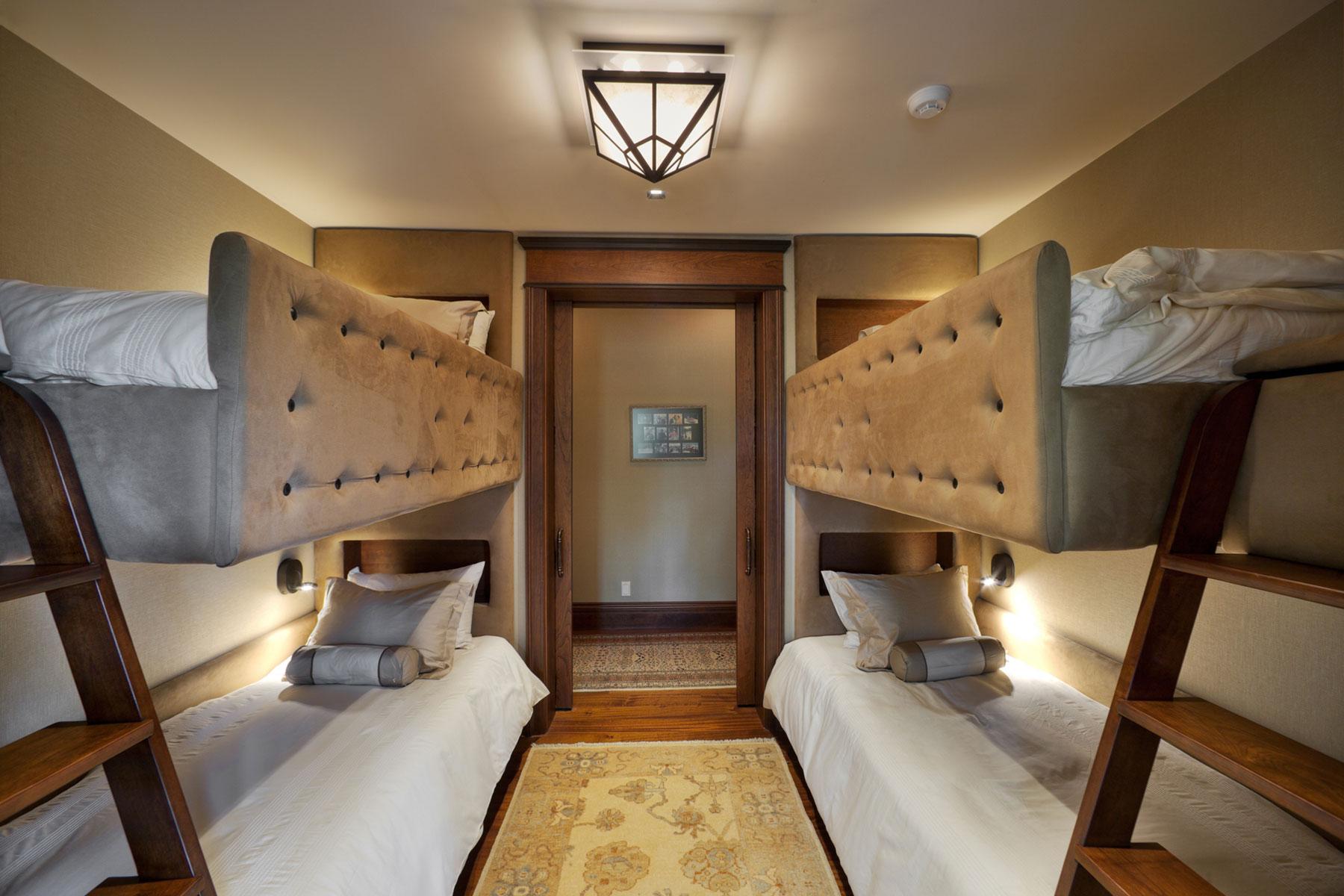 bunk-room-mountain-cabin-asheville-guest-house