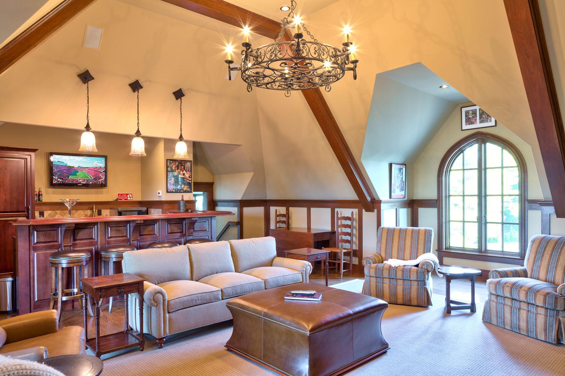 gentlemans-pub-room-luxury-home