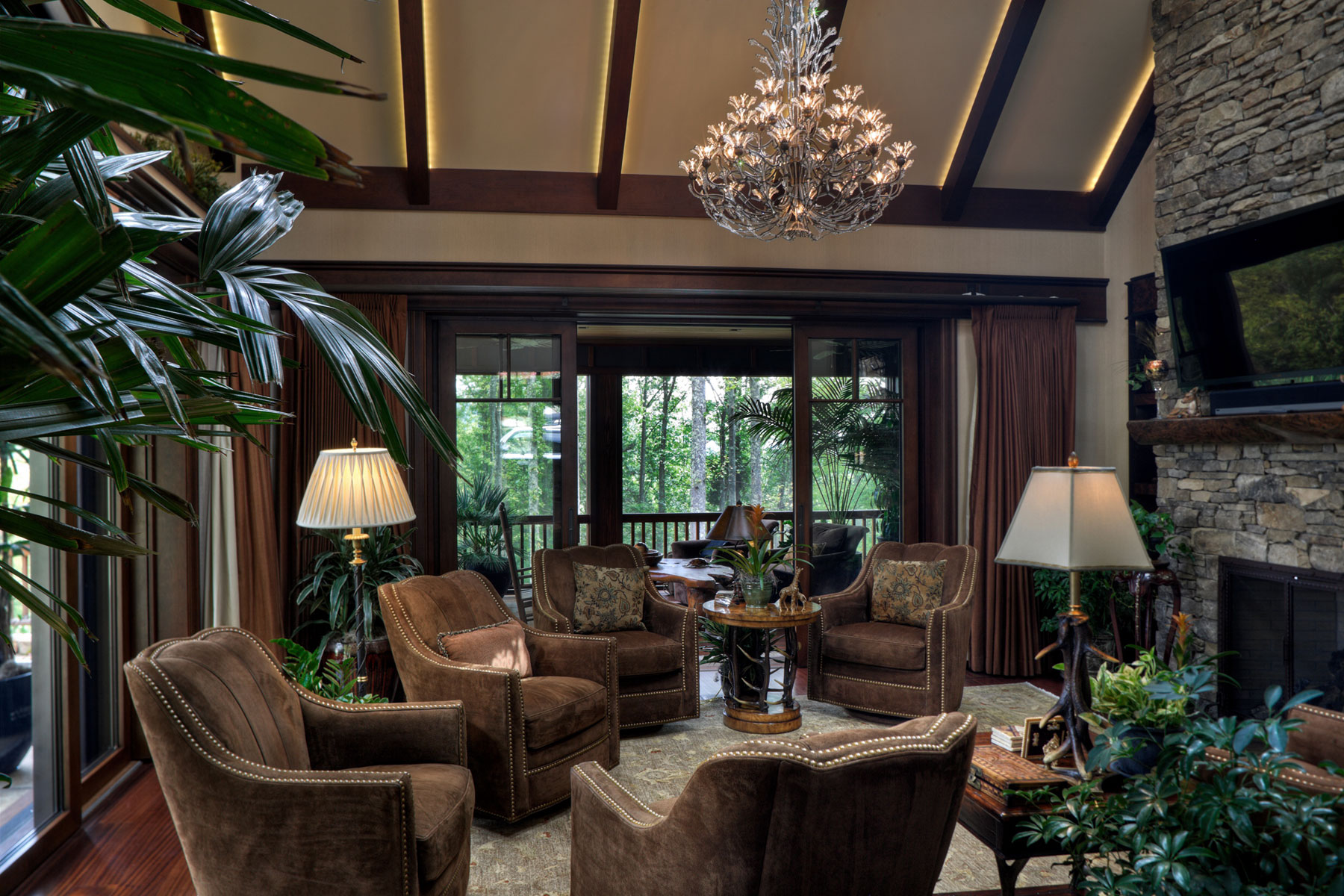 guest-house-TV-lounge-vaulted-ceiling