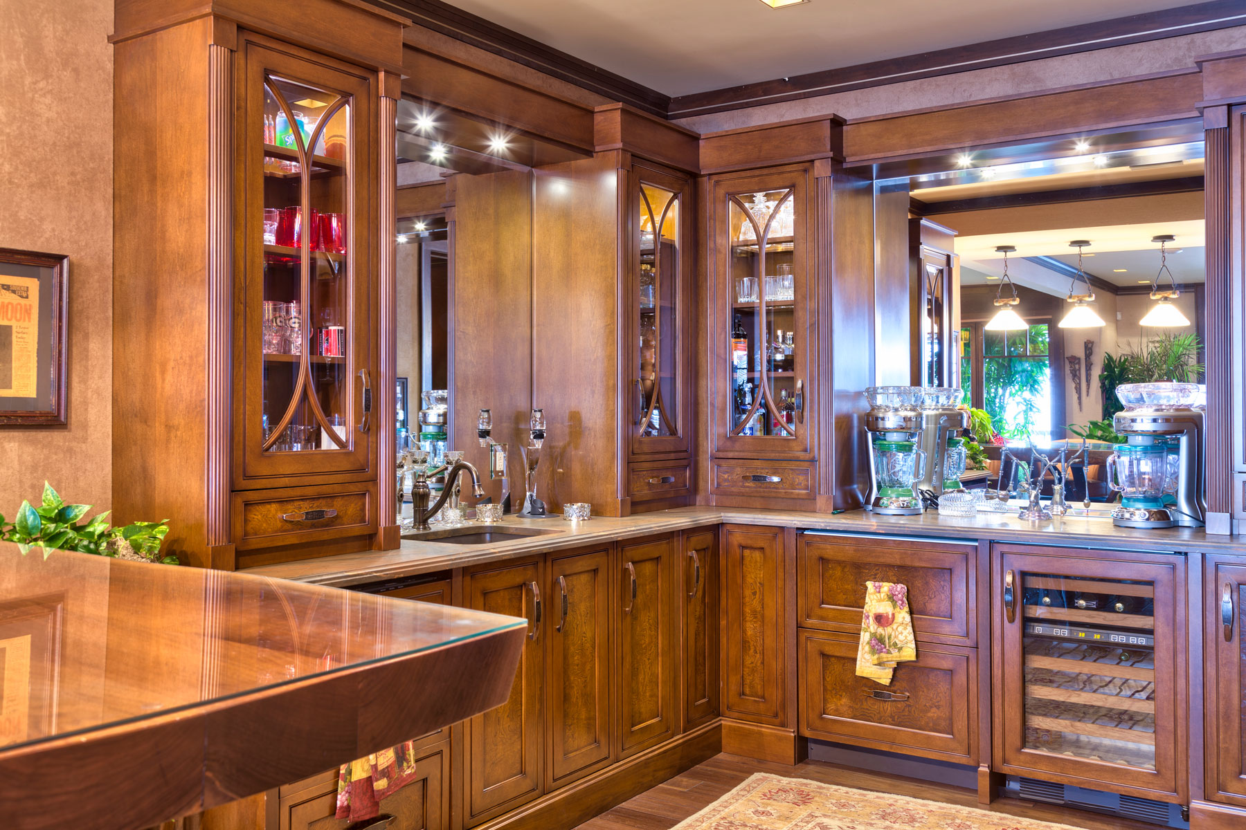 rich-cabinets-entertaining-bar-awesome