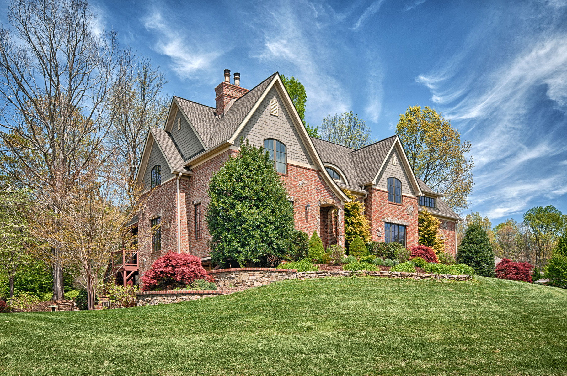 front-elevation-english-cottage-mountain-home