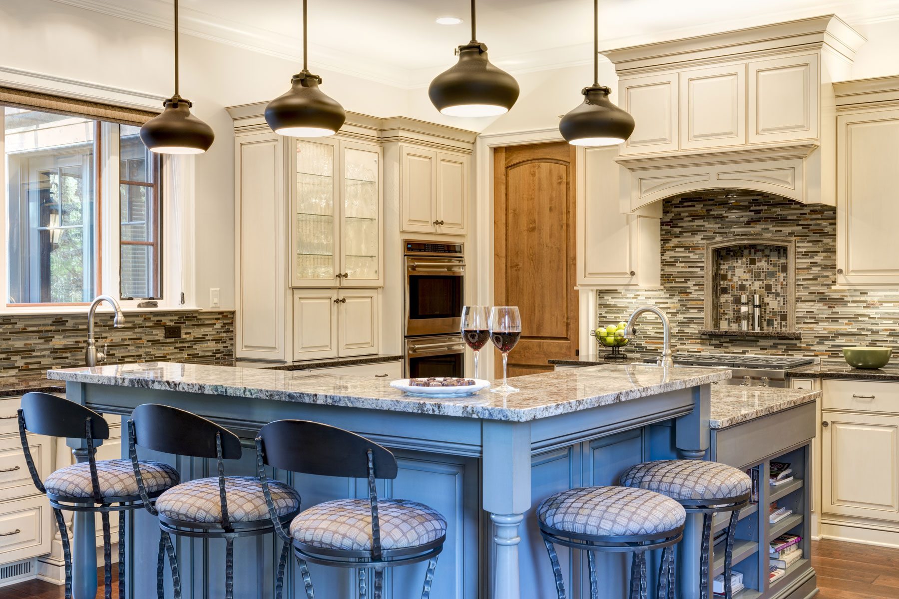 large-kitchen-L-shaped-island | ACM Design Architecture ...