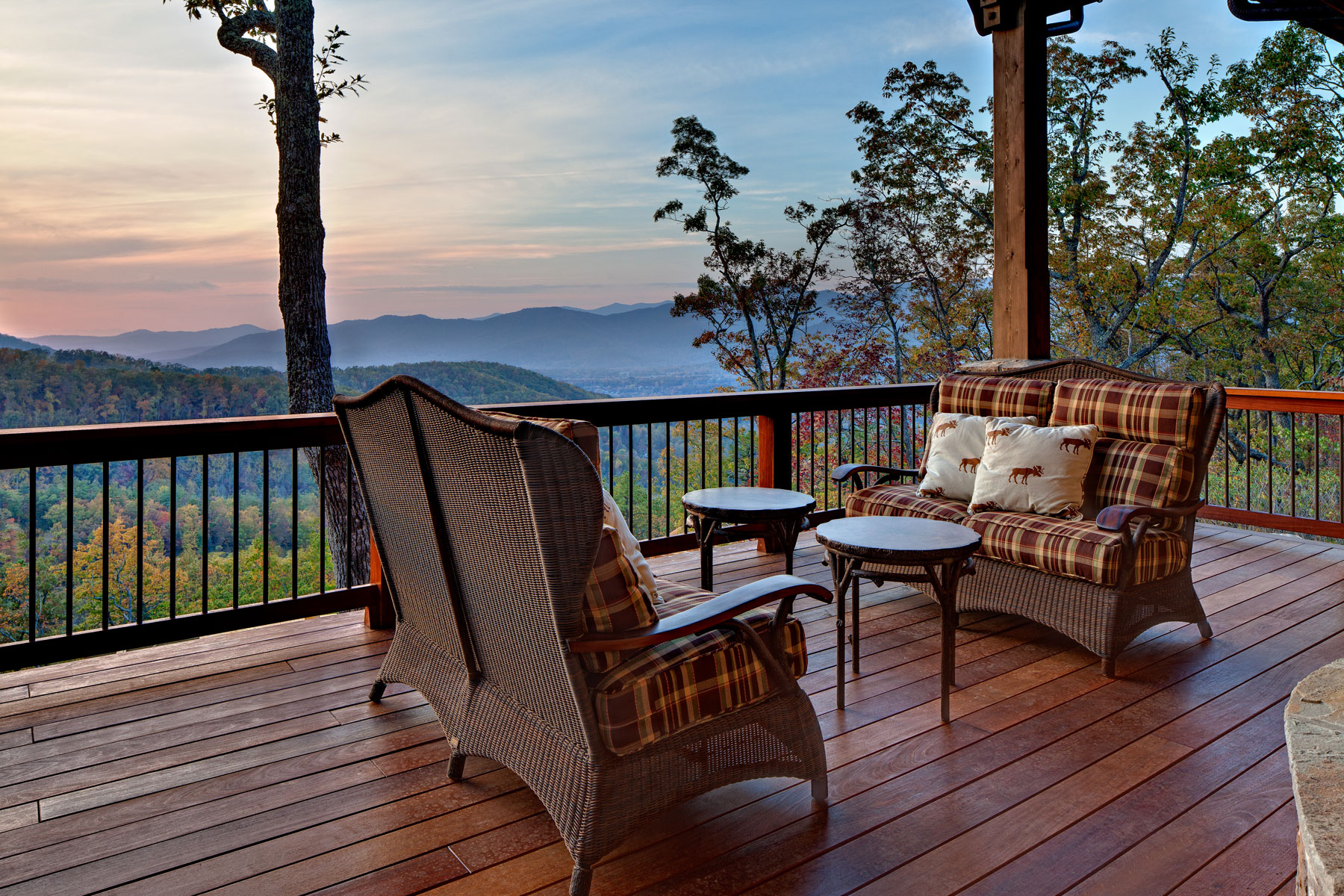 Outdoor Living design by the Mountain Home Architects at ACM Design