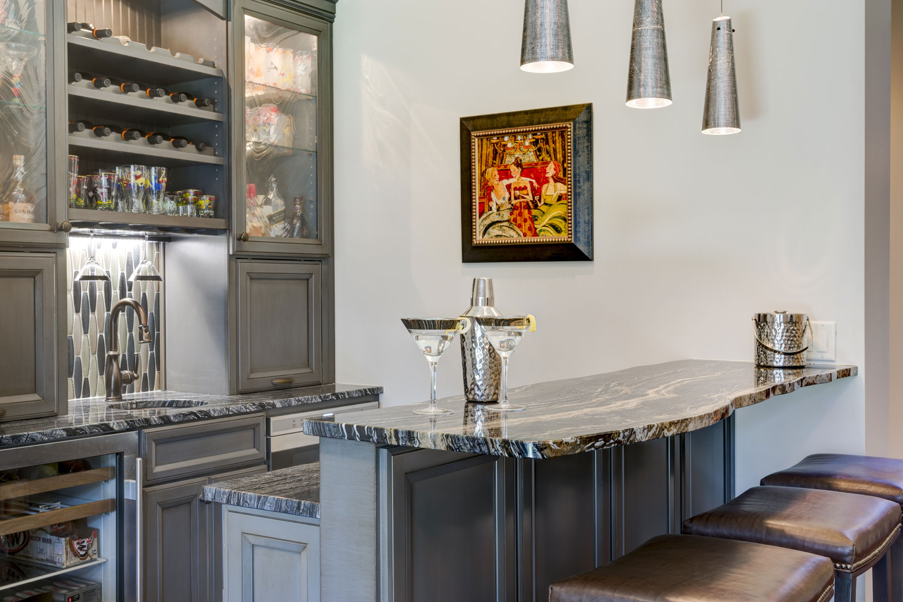 mountain-home-lower-level-bar-live-edge-granite