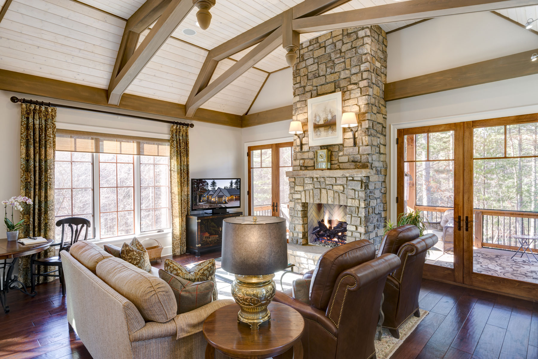 vault-ceiling-family-room-fireplace