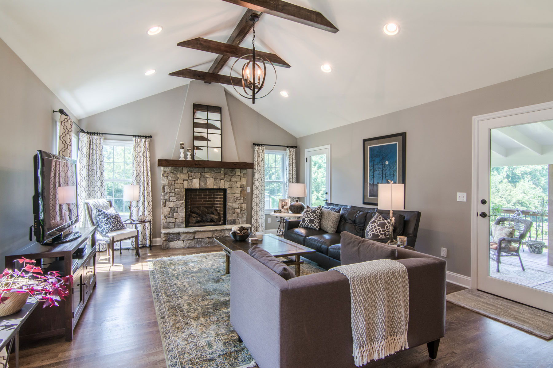 family-room-addition-vaulted-ceilings2