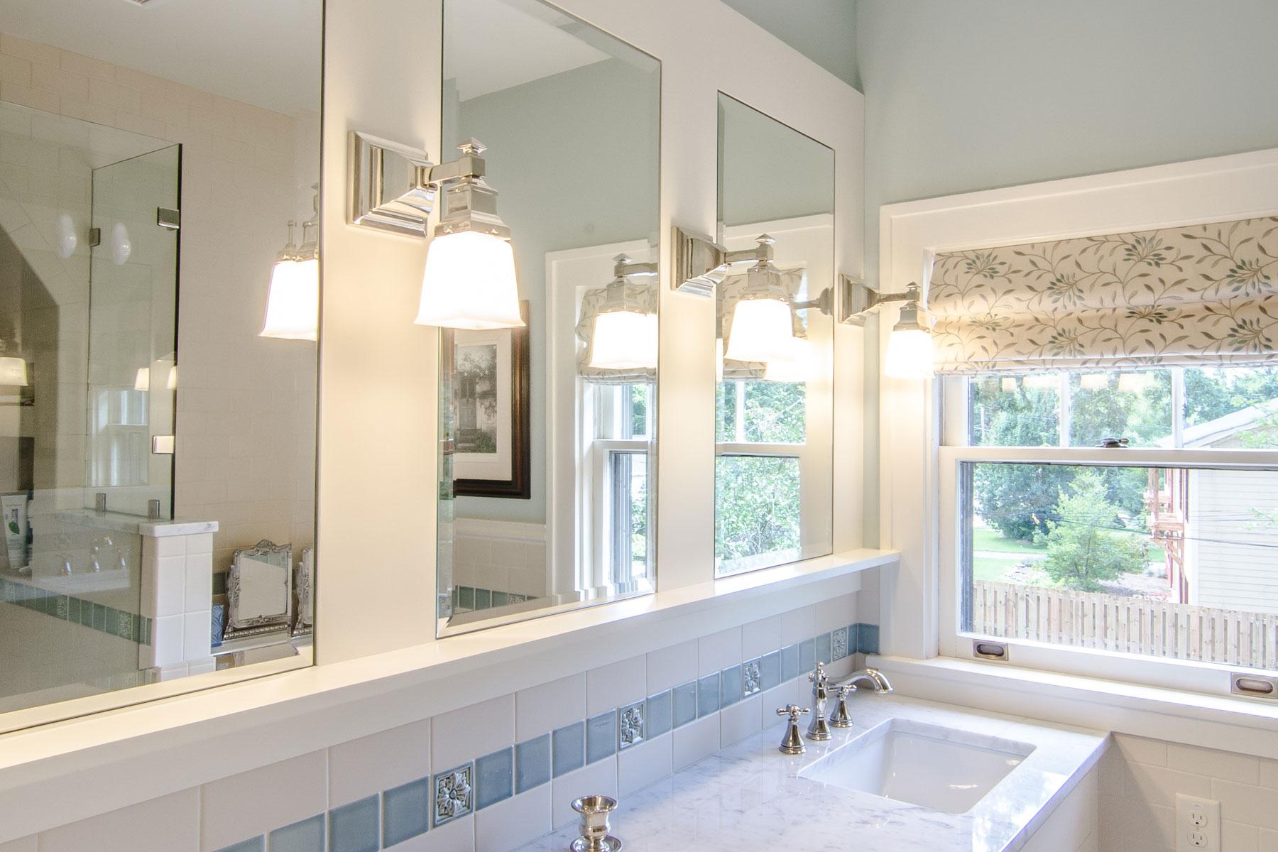 bathroom-three-mirrors