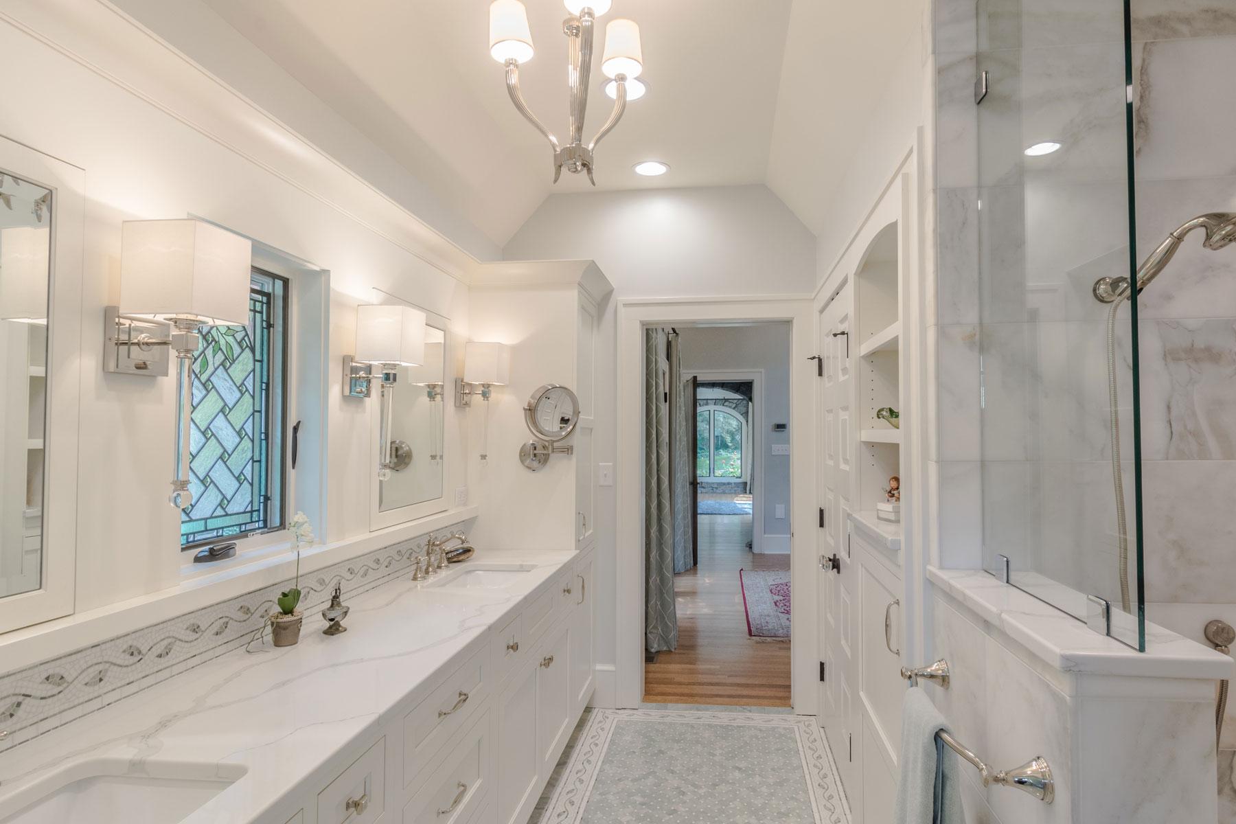 luxury-bath-marble-vintage-grove-park-renovation