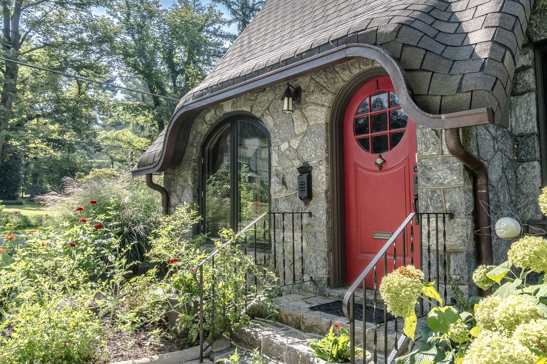 vintage-front-door-red-round-window