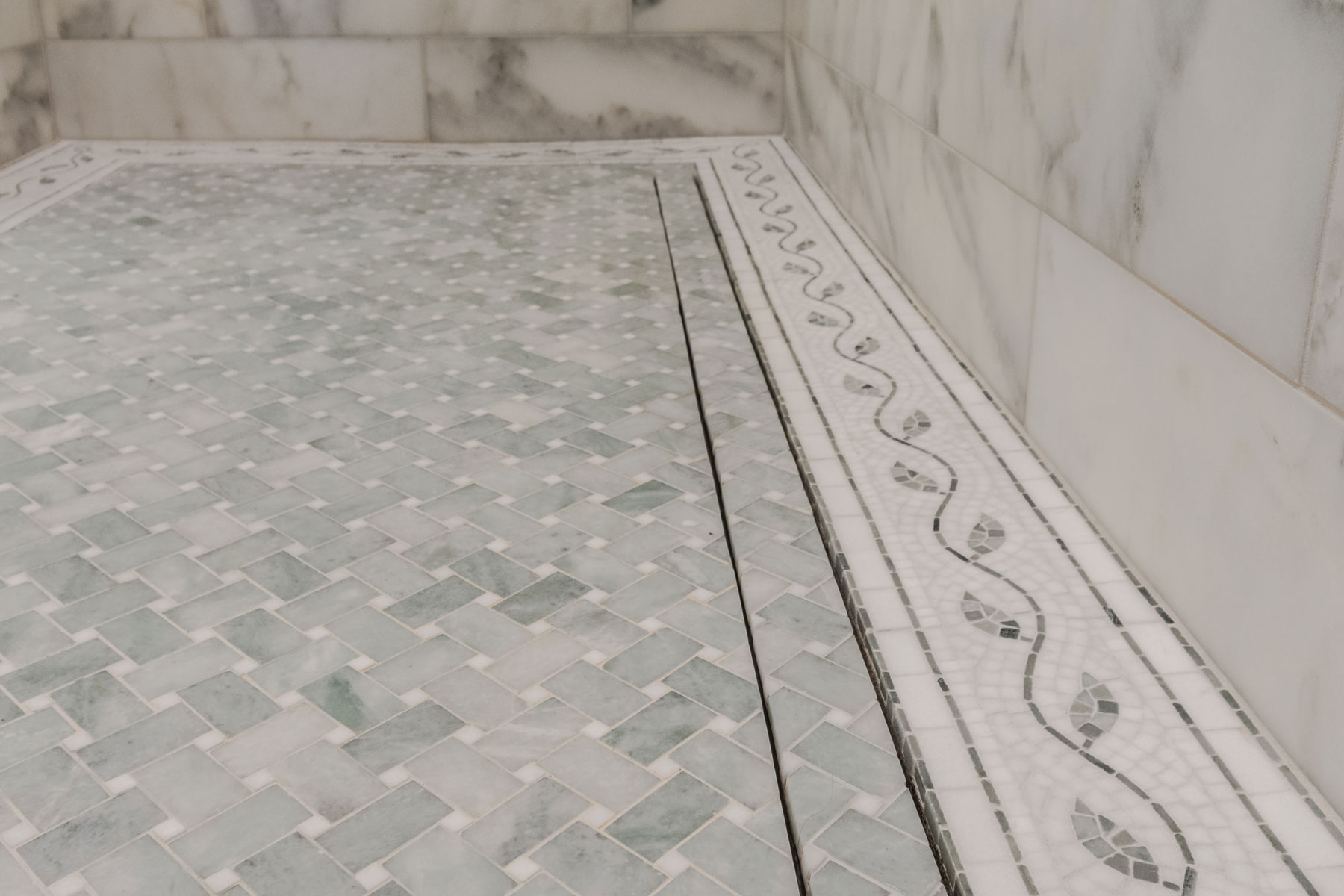 zero-entry-shower-floor-marble