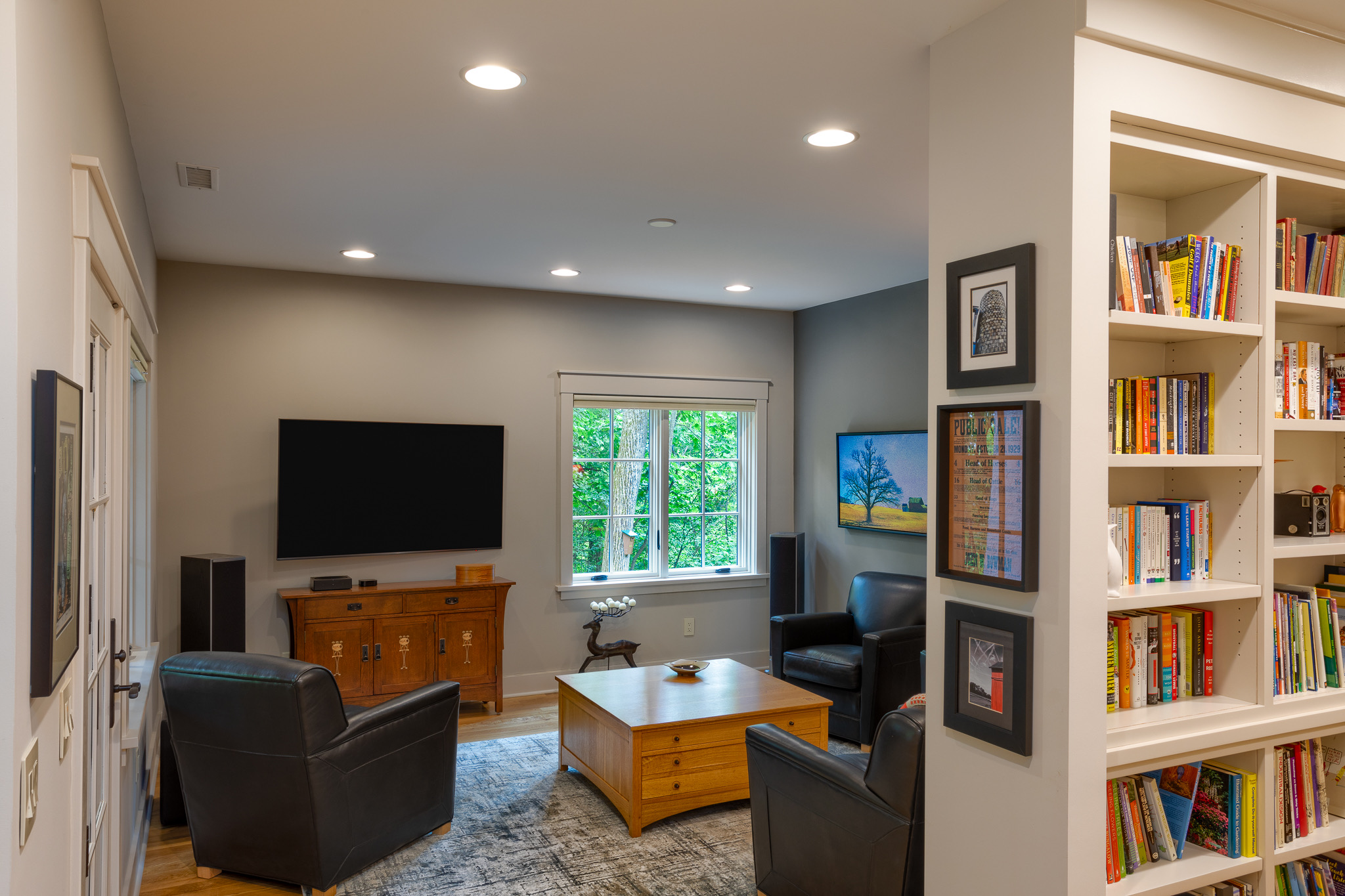 Terrace level TV room